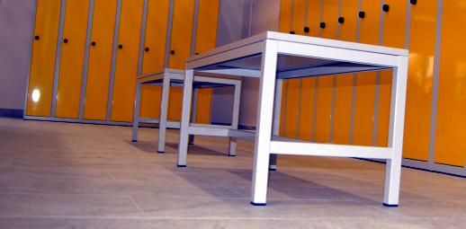 Vybavení šatny - šatní skříňky a lavice