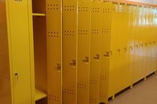 Barevné školní šatní skříňky pro ZŠ