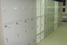 - Školní šatní skříňky - demontáž a dodávka
