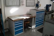 Dílenský stůl se zásuvkami - Vybavení dílny a šatny kovovým nábytkem