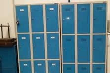Kovové šatní boxy - Vybavení dílny a šatny kovovým nábytkem