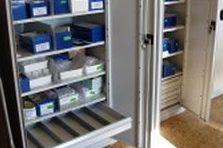 - Dílenské skříně do výzkumného pracoviště