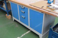 - Dílenské pracovní stoly pro broušení