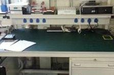 Dílenské stoly pro ESD pracoviště