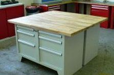 Dílenský nábytek pro výrobní provoz