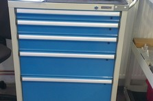 - Dílenské vybavení výrobních prostor