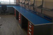 - Montážní stoly, ESD pracoviště