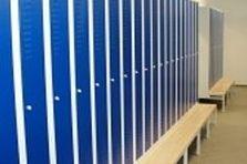 - Dodávka a montáž speciálních ESD pracovišť a šatních skříní