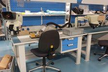 Dílenský stůl montážní ESD - Antistatické montážní stoly