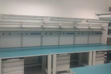 Vybavení pracoviště ESD stoly - Antistatické stoly pro výzkumné pracoviště