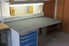 Antistatické stoly - ESD pracovní stoly pro vědeckou činnost