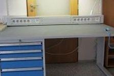 ESD pracovní stoly pro vědeckou činnost