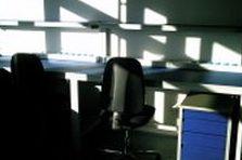 - Kompletní dodávka speciálních antistatických pracovišť
