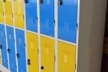 Kovové šatní skříně pro školy - Základní škola - šatní skříňky
