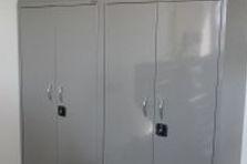 Kovový nábytek pro pracoviště VÚT Brno