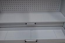 Skladové policové skříně - Kovový nábytek pro výzkumný ústav