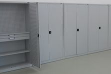 Skladová policová skříň - Kovový nábytek pro výzkumný ústav