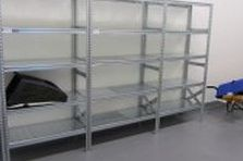 - Kovový nábytek pro zázemí vzdělávacího centra