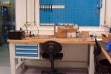 Pracovní dílenské stoly pro laboratoře