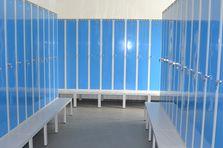 - Šatní skříně na předlavičce