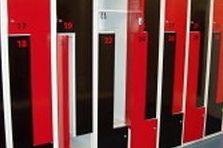 - Šatní skříňky typu Z pro fitness centrum Praha 9