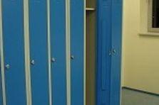 - Šatní skříně pro servisní středisko Praha 9