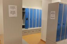 - Šatní skříně pro sportoviště v Praze