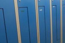 - Šatní skříně pro výrobu na Plzeňsku