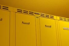 Plechová šatní skříňka - Šatní skříňka na předlavičce pro výrobní závod