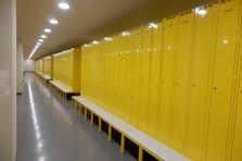 Šatní skříňka na předlavičce - Šatní skříňka na předlavičce pro výrobní závod