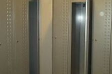 - Šatní skříňky a lavice pro fitness Praha 5