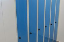 - Šatní skříňky pro zaměstnance výroby