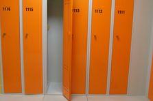- Šatní skříňky pro plavecký stadión