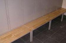 - Šatní skříňky pro zaměstnance hotelu