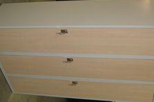 Kovové šatní skříňky s lamino dveřmi - Šatní skříňky s lamino dveřmi