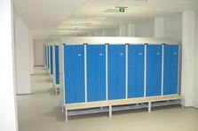 Atypické řešení kovové šatní skříňky na míru zákazníkovi - Šatní skříňky s úpravou pro sušení ručníků