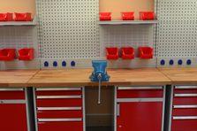 Masívní buková deska - Profesionální dílenské stoly jako základ vybavení dílny