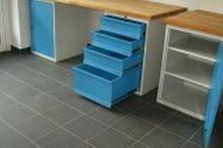 Pracovní stůl dílenský - Vybavení pro zdravotnické zařízení