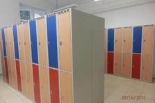 Vybavení šaten - horizontálně dělené skříňky - Vybavení šaten - Rudolfinum v Hradci Králové