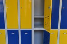 Atypický šatní box pro střední školy - Atypické šatní boxy pro střední školu
