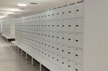Vybavení šaten logistického centra v Dobrovízi - Vybavení šaten logistického centra v Dobrovízi