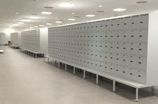 Vybavení šaten logistického centra v Dobrovízi